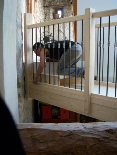 escalier en sapin quart tournant avec coursive