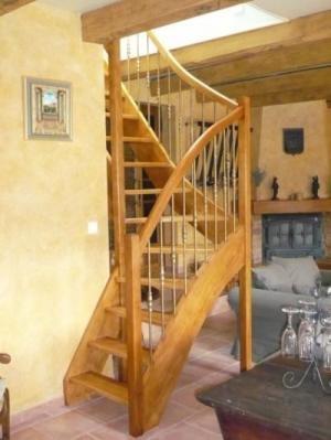 escalier bois frene tournant