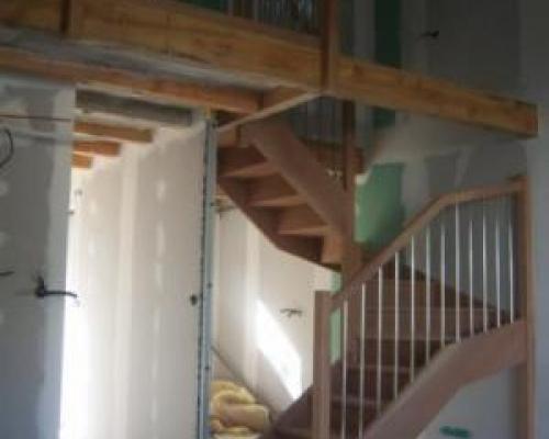escalier demi tournant fabricant escalier bois al s gard bagnols sur c ze uz s. Black Bedroom Furniture Sets. Home Design Ideas