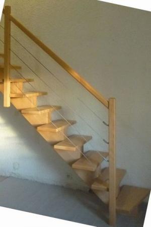 escalier à limon central en hêtre