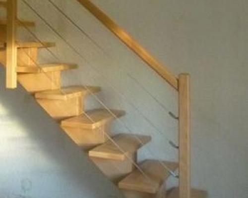 escalier limon central fabricant escalier bois al s gard nimes bagnols sur c ze. Black Bedroom Furniture Sets. Home Design Ideas