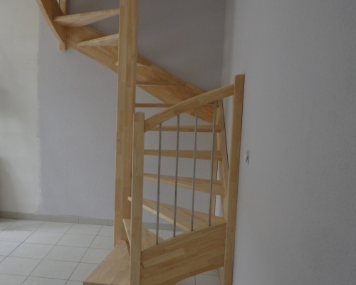 escalier spirale fabricant escalier bois al s gard le. Black Bedroom Furniture Sets. Home Design Ideas