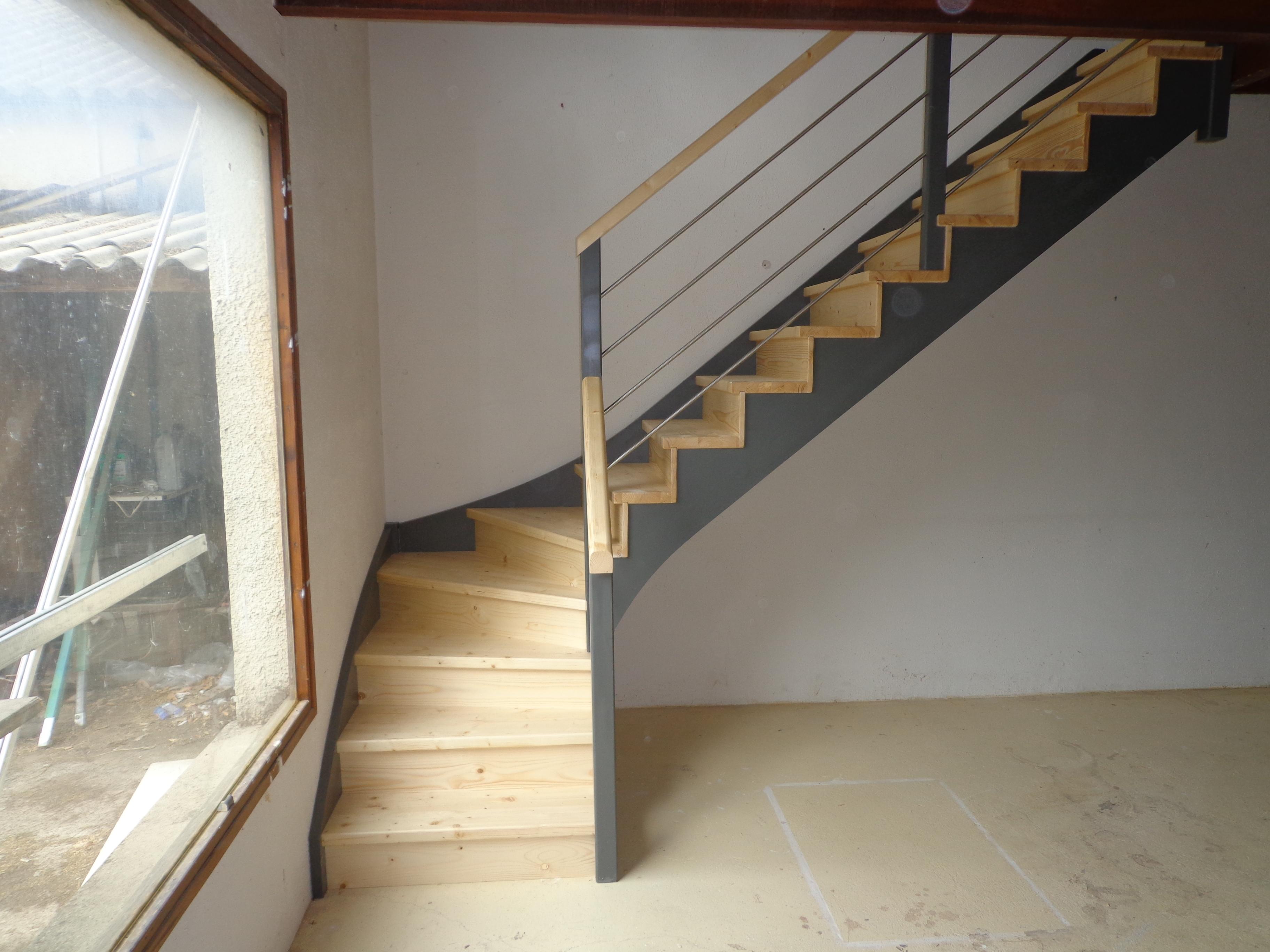 escalier quart tournant aspect moderne