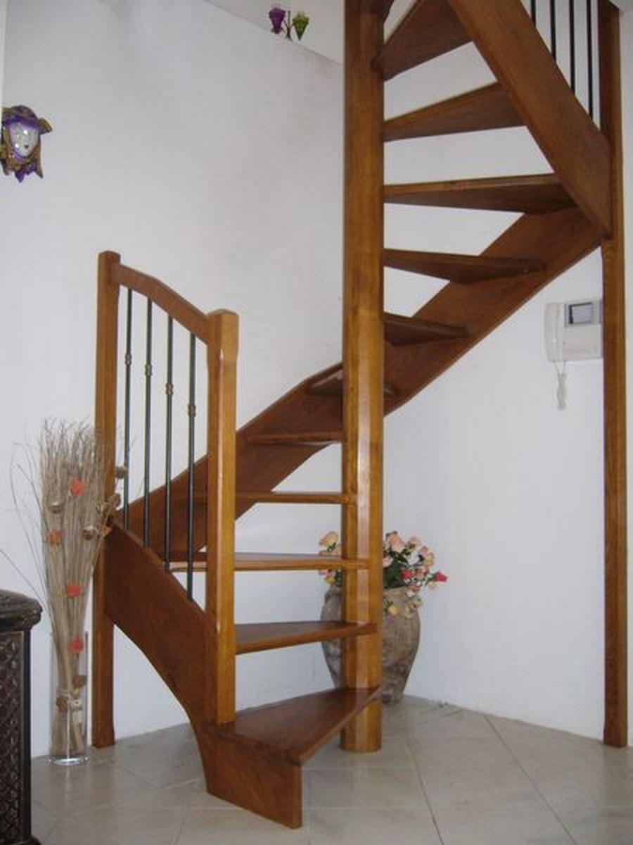 Escalier spirale fabricant escalier bois al s gard le for Escalier helicoidale marseille