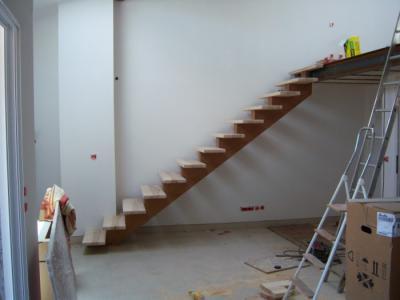 escalier limon central bois al s gard bagnols sur c ze aigues mortes. Black Bedroom Furniture Sets. Home Design Ideas